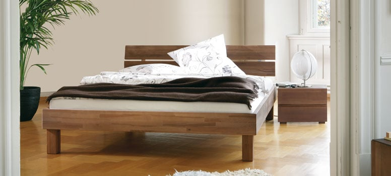 bettgestell aus massivholz hasena woodline. Black Bedroom Furniture Sets. Home Design Ideas